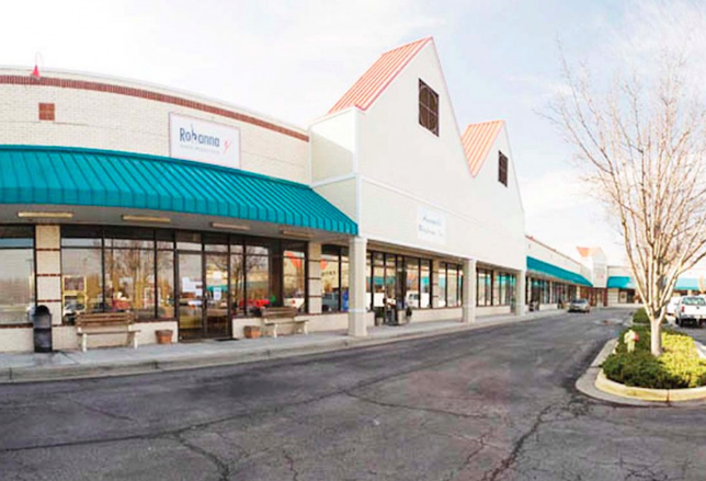 Investors Look To Shopping Center REITs As Safe Bets
