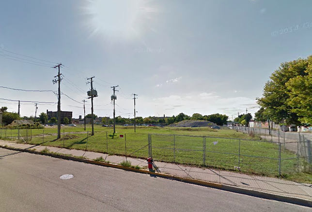 Property Markets Group wants to build a 500-unit apartment building at this site in Chicago's Pilsen neighborhood.