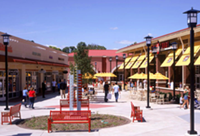 The Aurora, IL, outlet mall added 290k SF for new stores last year, bringing total retailers to 170.