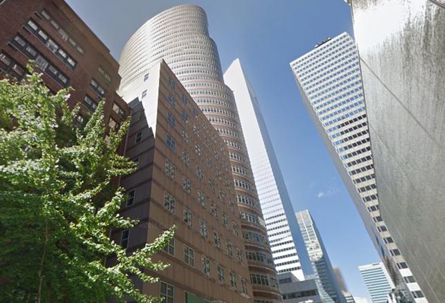 Louis Ceruzzi Buys Ground Under Lipstick Building For $453M
