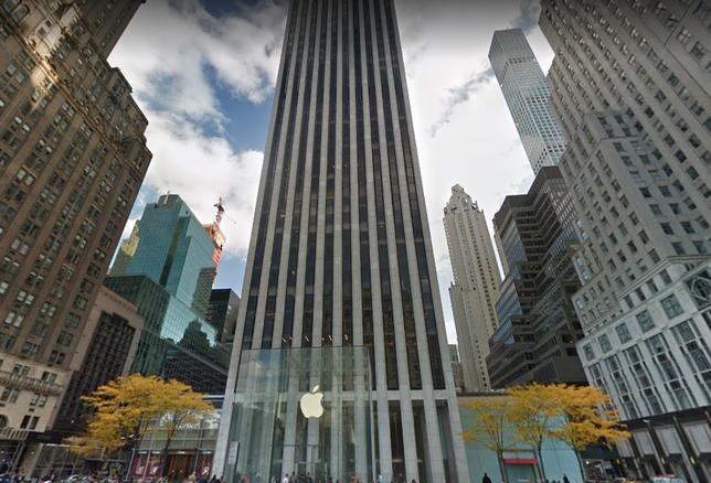 Estée Lauder Renews And Downsizes At The General Motors Building