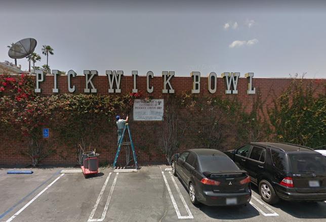 Pickwick Bowl in Burbank
