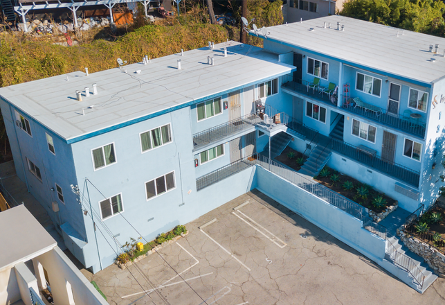 Stepp Commercial brokered the sale of the Niagara Apartments, a 10-unit apartment property located in Echo Park