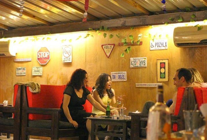 Restaurant Chains Struggling To Survive Despite Record Economy, Food Spending