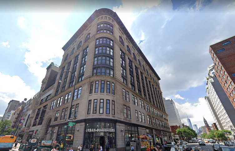Urban Outfitters Closes Its 14th Street Location In Manhattan After 2 Decades