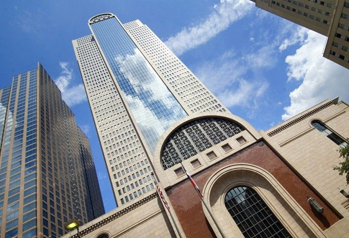 3. Comerica Bank Tower