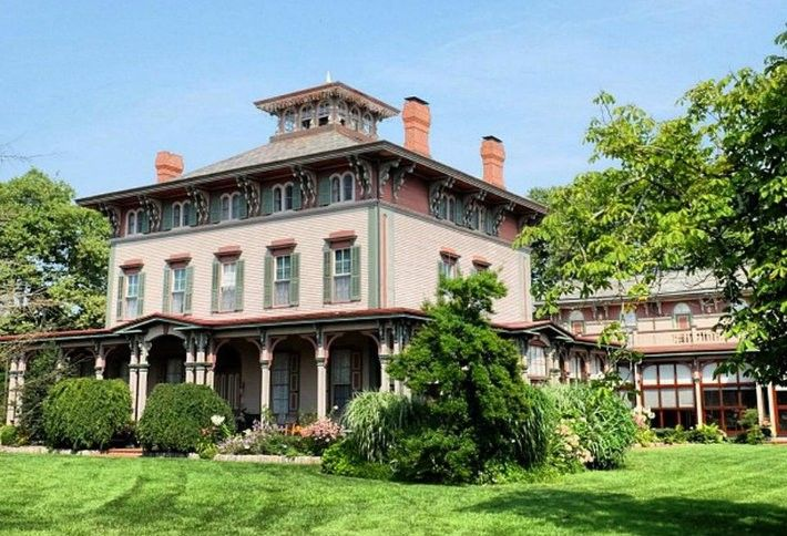 8. Southern Mansion