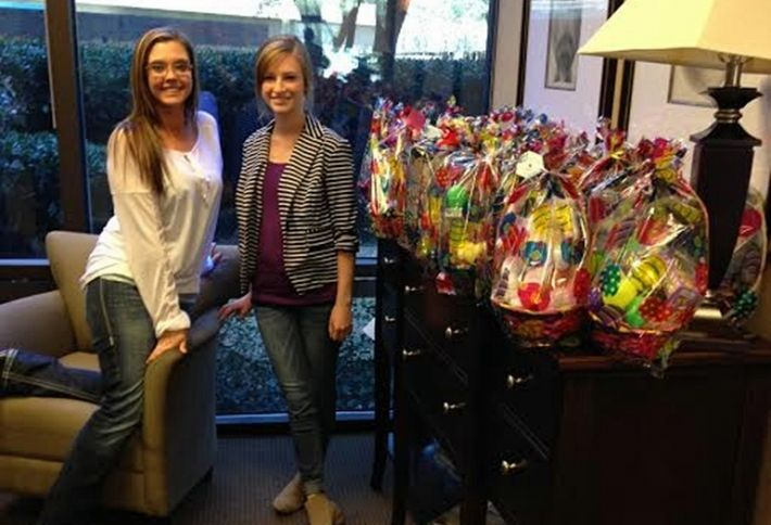 Dallas BOMA Helps the Easter Bunny