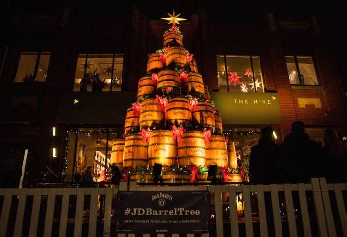 Jack Daniel S Barrel Tree Boosts Festive Spirits