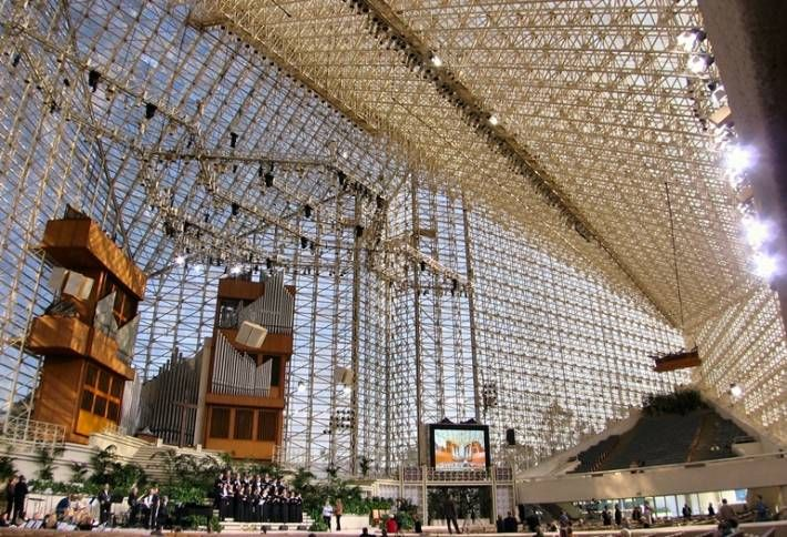 Crystal Cathedral Founder Passes Away