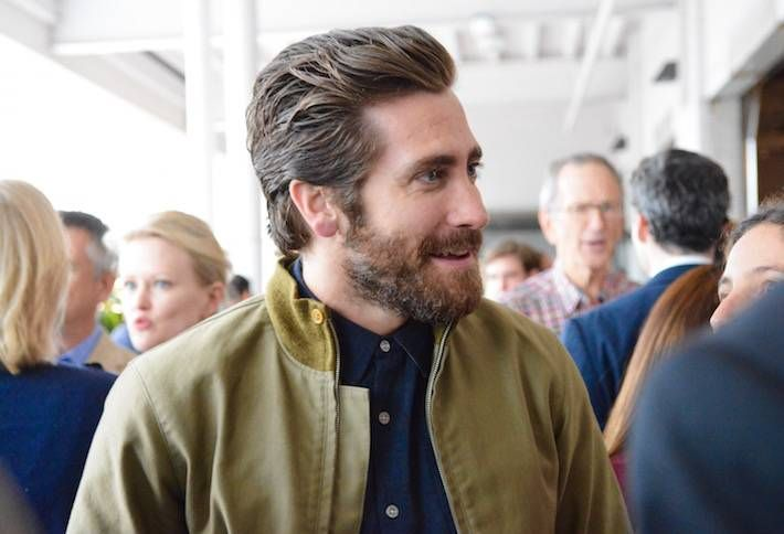 Jake Gyllenhaal Gives DC Kudos