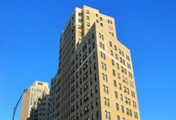 Hayes Properties Pays $31M For Vintage Lincoln Park Apartment Tower
