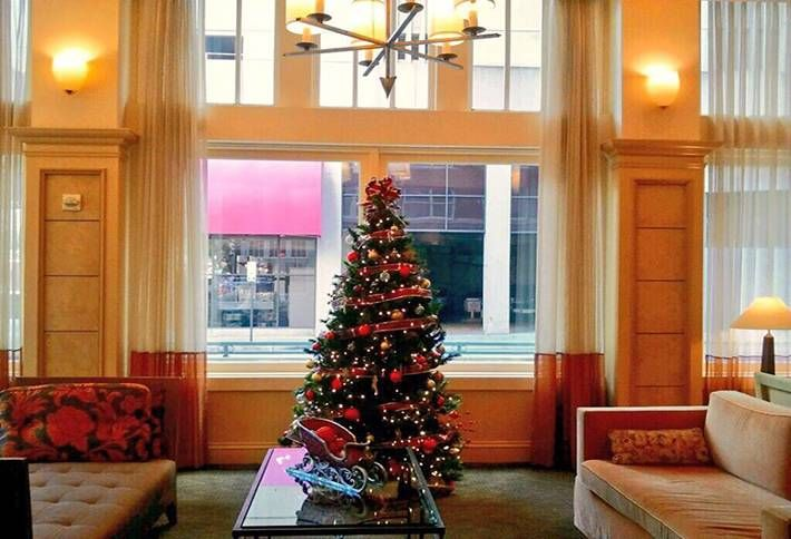 Check Out These Beautiful Dallas Hotel Lobbies All Dressed Up For Christmas