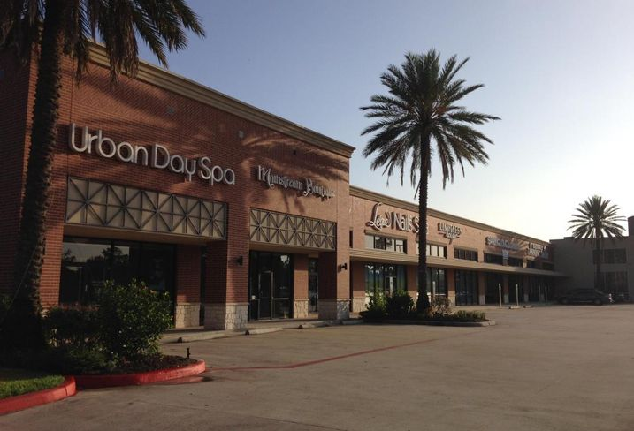 Houston retail strip center