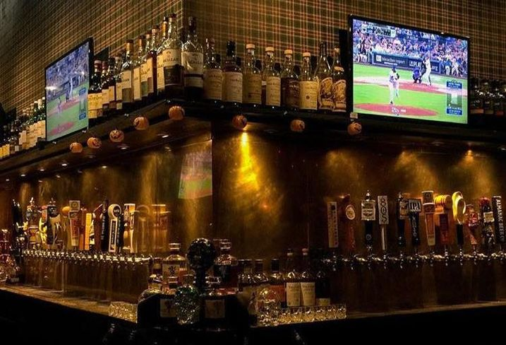 5 Great Places In LA To Watch The Super Bowl