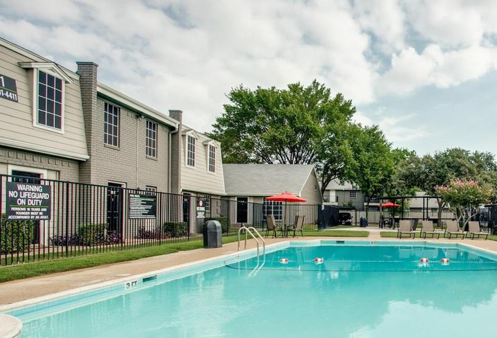 Courtyards on Glenview in North Richland Hills Credit: Courtesy of CBRE