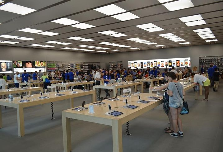 Signs Afoot That Brooklyn's First Apple Store May Open Soon