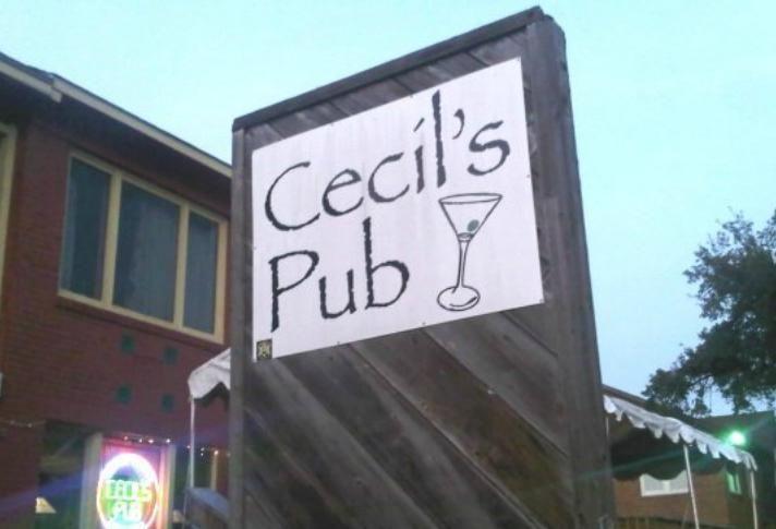 Cecil's Pub, Montrose