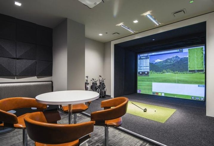 The tenant lounge inside 222  South Riverside Plaza will have a golf simulator, which EVP Nikki Kern says is a first.