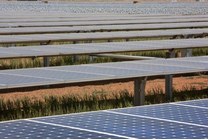 Sunpower's Solar Star Farm is located on farmland in Antelope Valley near Lancaster, CA.