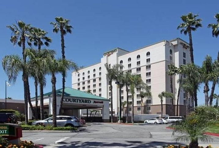 Courtyard by Marriott, LA