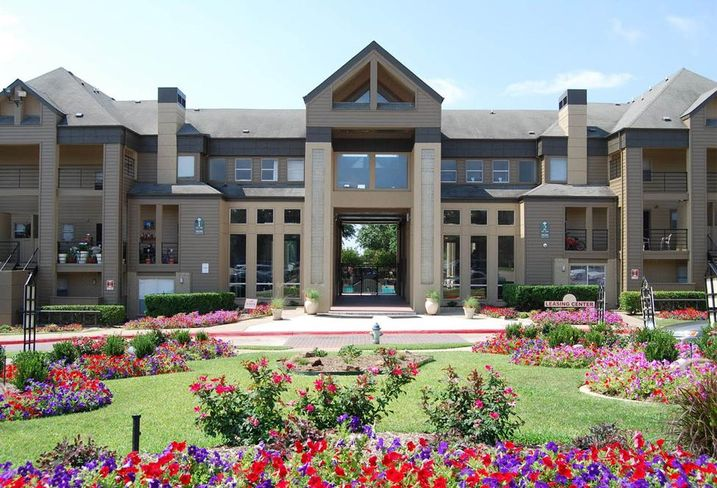 Jackson Branch                                 506 units 9690 Forest Ln                                   23 property tours Dallas, TX 79243                                12 offers