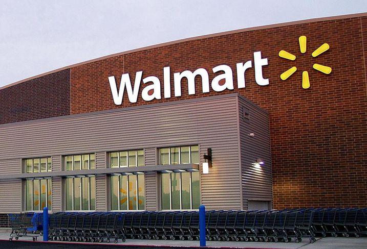 Walmart, Walgreens Ready To Take On Amazon In The New Year