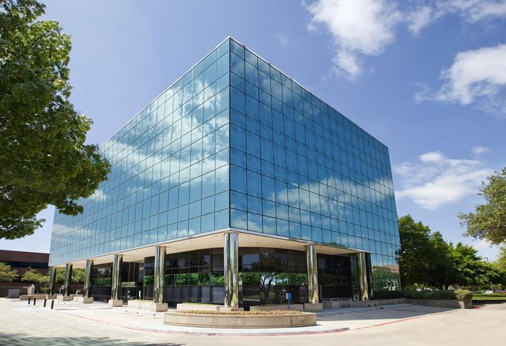 Grander Capital Partners purchased Emerald Plaza, a 74k SF office building at 14900 Landmark Blvd in Dallas. The purchase of the 6-story office building marks Grander Capital's first purchase in DFW. Grander Capital retained the Cushman & Wakefield leasing team of Ward Eastman and Rodney Helm.