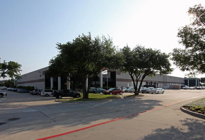 JLL negotiated an 83k SF industrial renewal for B. Braun Medical at 1601 Wallace Drive in Carrollton. JLL's Elizabeth Jones and Tom McCarthy negotiated the lease on behalf of the tenant. CBRE's Steve Trese and Wilson Brown repped the landlord, Colony Capital.