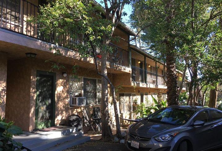 Vineland Villa Apartments in Studio City, CA