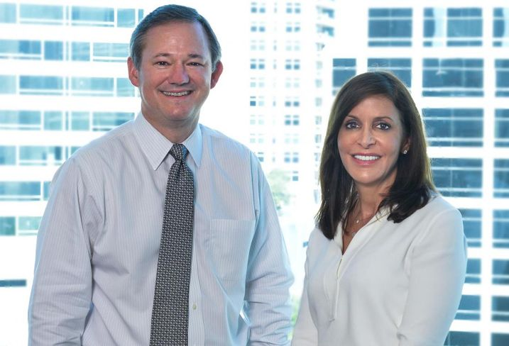 Newly formed Banner Oak Capital Partners has been launched by former Hunt Realty Investments executives Patricia Gibson and Geoffrey Osborn. The formation of the new Dallas-based investment management company is concurrent with the sale of Hunt's interest in the Akard Street Partners platform to the Teacher Retirement System of Texas.