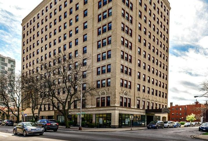 Part of a portfolio HFF sold onbehalfof the University of Chicago