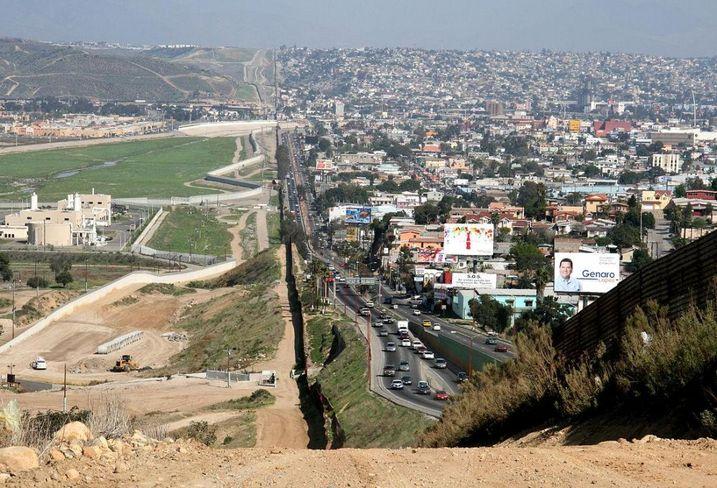 US Border Mexico, Immigration