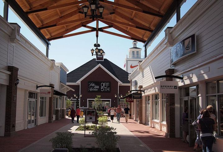 Mall, outlet mall