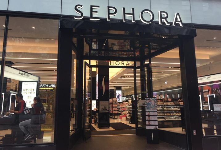 How Flagship Stores Are Setting The Pace For The Retail Experience