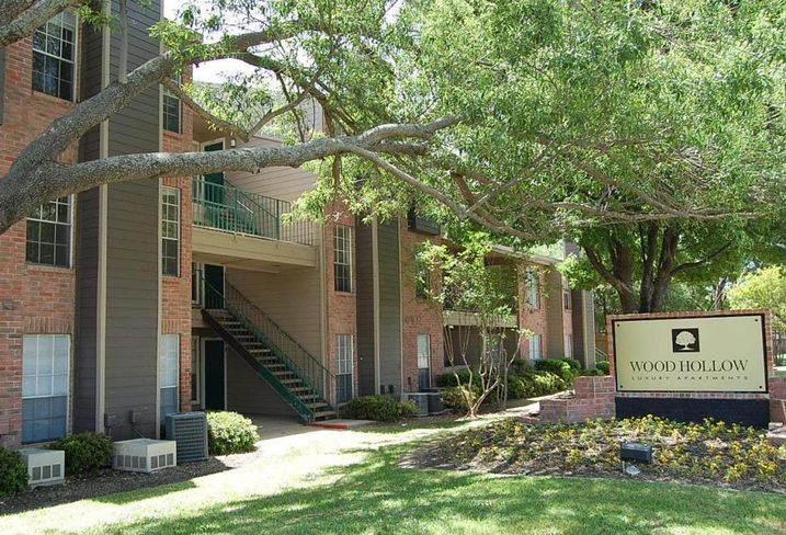 WoodHollow Luxury Apartments