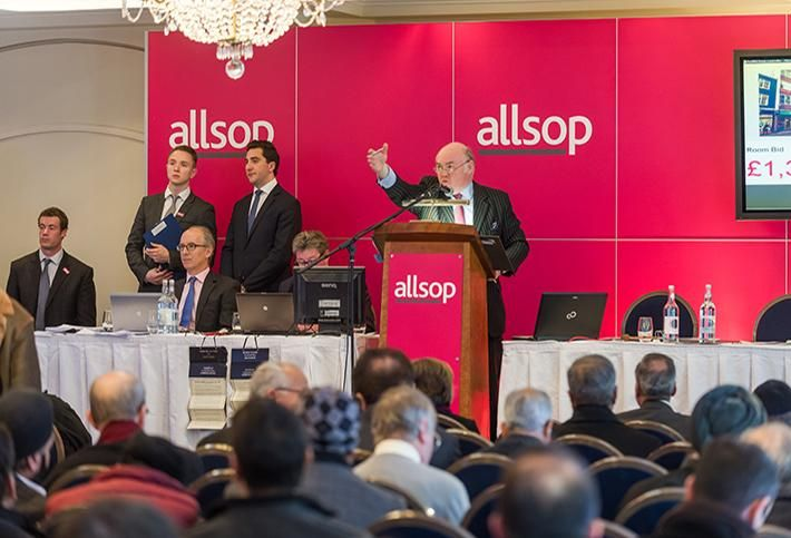 Allsop partner and auctioneer Duncan Moir at the rostrum