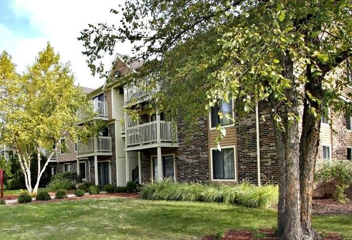 Stonegate Condominiums, Glendale Heights, IL