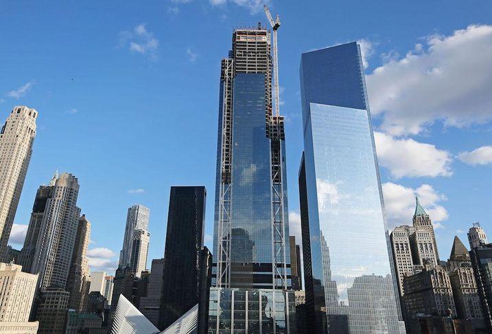 3 World Trade Center under construction next to 4 World Trade Center
