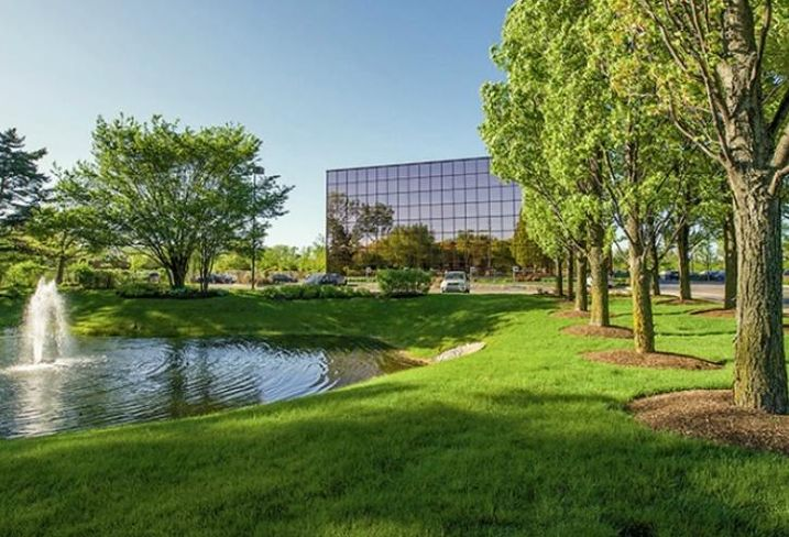 Edens Corporate Center, Northbrook, IL