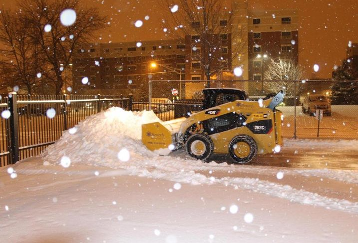 Snow bulldozer