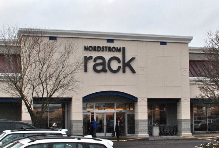 Nordstrom Rack Defies Retail Closure Blues Plans New Store