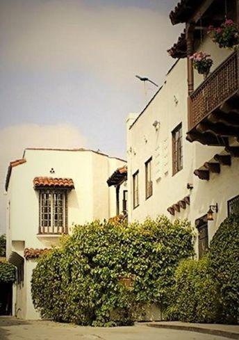 1515 N. Hayworth Ave., West Hollywood, CA