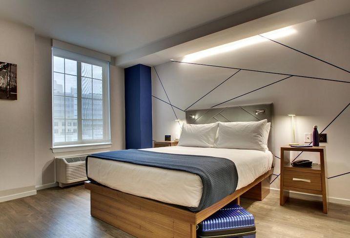 Pod DC guest room