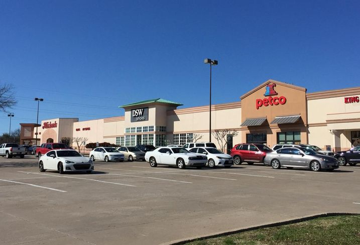 Sterling Organization purchased Creekwalk Village, a 174K SF shopping center at the northeast corner of West 15th Street and Alma Drive in Plano. The property was purchased from 29 tenants in common owners through Sterling Organization's institutional fund Sterling Value Add Partners II for $24.5M. The shopping center is 100% occupied by nine retailers.