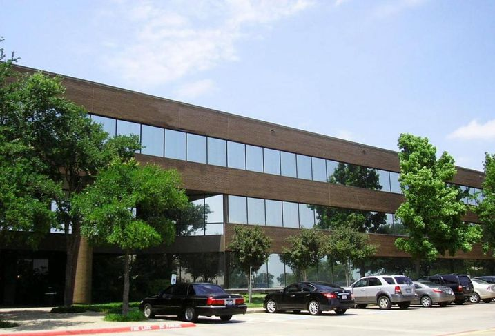 The Colaneri Firm inked a new 5K SF lease at 524 East Lamar Office Centre in Arlington. Swearingen's Jim Montgomery repped the tenant. Younger Partners' Sean Dalton and Kathy Permenter repped the landlord.