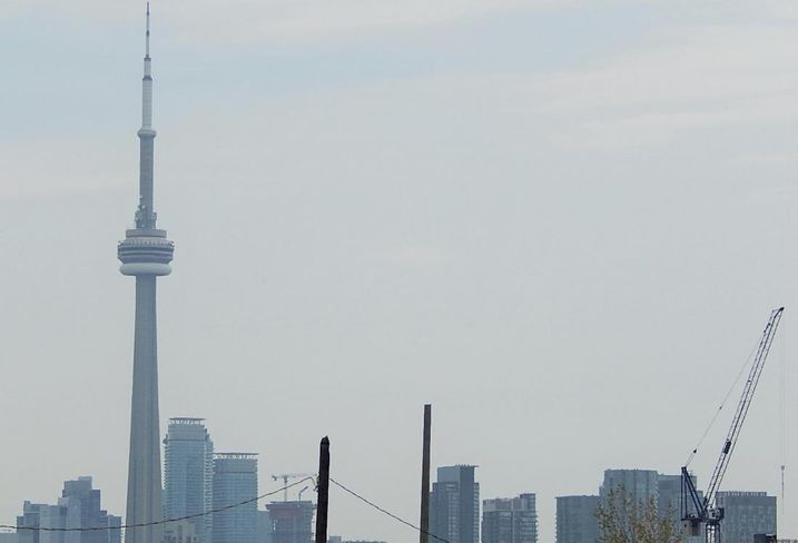 CN Tower Toronto skyline