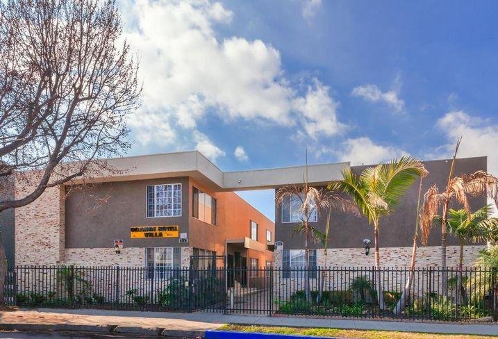 731 Orange Ave., Long Beach, CA