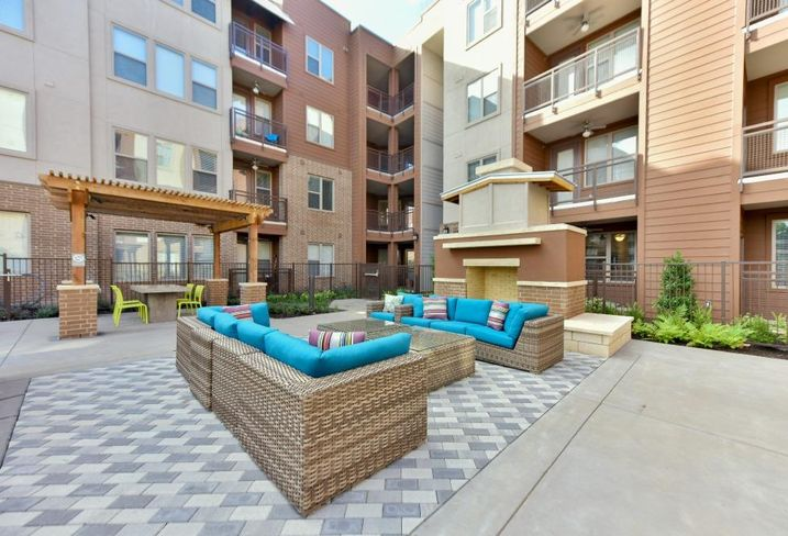Sur512 Apartments: Apartments in South Congress
