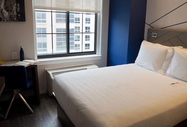 Pod Hotels room